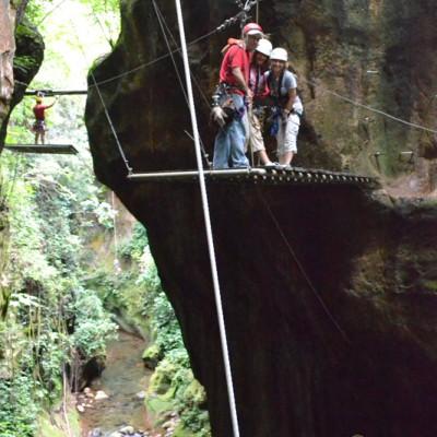 zip line experience in Guachipelin