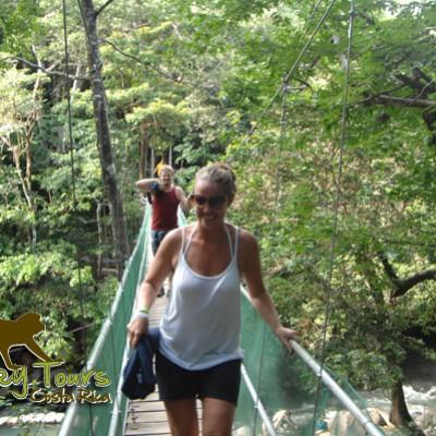 walking bridges monteverde