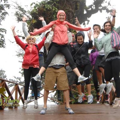 Jumping selfie in the cloudforest of Monteverde