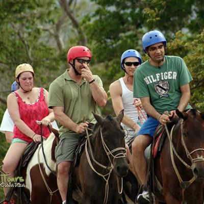 horse trip costa rica borinquen