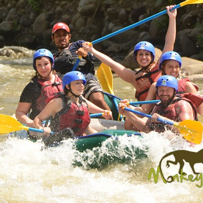 down river white water rafting tour with Costa Rica monkey tours