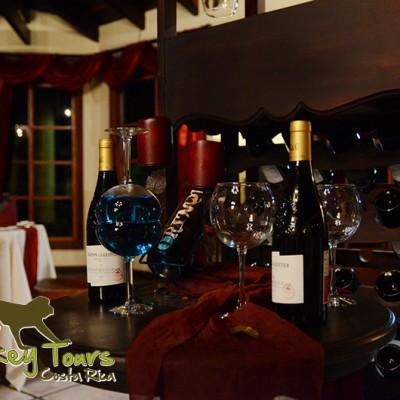 Restaurant setup and wine in Rincon de la Vieja