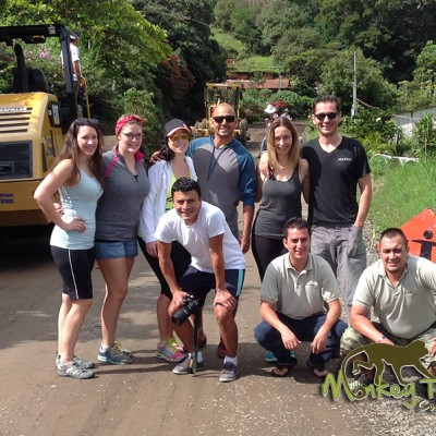 Group Picture of Happy Tourists in Monteverde chofer guide photographer Costa Rica 125